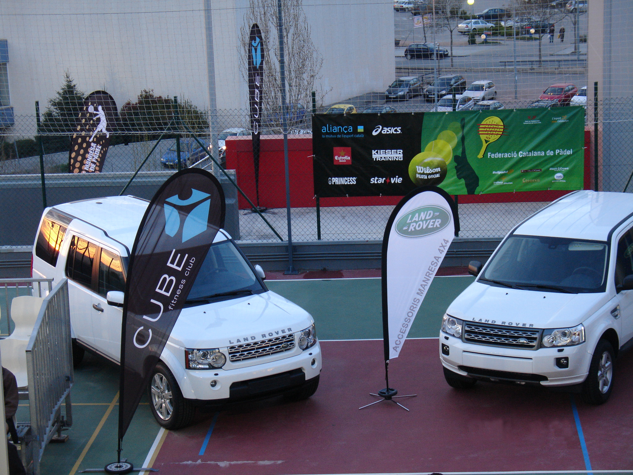 Fly Banner Drop Cube Fitness Padel